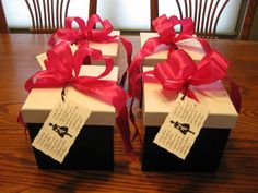bridesmaids gift boxes, fill with baked/decorated cookies yourself :)