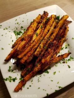 Gebackene Parmesan Knoblauch Karottensticks - mit Suchtgefahr! Möhren Parmesan Pommes Rezept als Snack zwischendurch oder als einfache leckere Beilage
