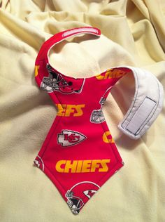 Kansas City Chief's LICENSED Fabric NeckTie Bib by TomsCloud, $6.50