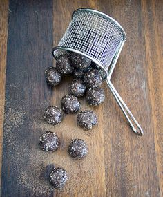 Paleo Chocolate Chip Balls and these guys actually taste good with a decent chocolate kick.