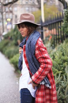 a6a2bfe46fdd Baggy Sweaters, Perfect Fall Outfit, Winter Fashion 2015, Autumn Fashion,  Plaid Coat
