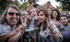 Cristina Kirchner le envió un mensaje a los militantes que asistieron en La Emilia  La ex mandataria se refirió a la presencia de integrantes de La Cámpora en las zonas afectadas por las inundaciones.