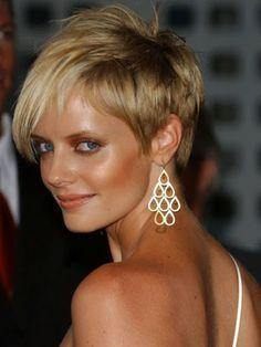 Short formal hairdos like Naomi Watt retro look trsl01_shelton.jpg