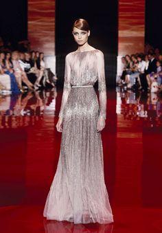 ELIE SAAB Haute Couture Autumn-Winter 2013-14.  VEJA MAIS NO SITE: ➽ www.achadosdamoda.com ➽by: ℣ąndą §iqu€irą. (✿˘ﻬ˘) ♥