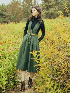 Vintage Dresses, Vintage Outfits, Vintage Fashion, Dress Outfits, Fashion Dresses, Cute Outfits, Vintage Inspired Outfits, Overall Dress, Mode Vintage