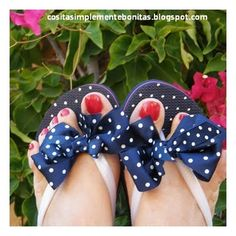dots on flipflops