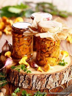 kurki_marynowane_w_oleju Stuffed Mushrooms, Vegetables, Food, Stuff Mushrooms, Essen, Vegetable Recipes, Meals, Yemek, Veggies
