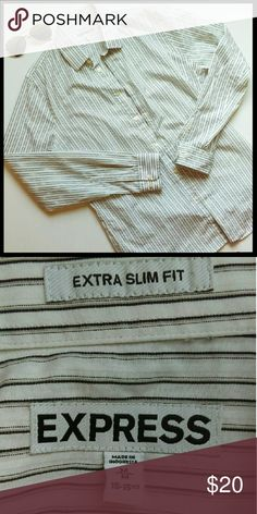 ✴️HP✴️{Mens} Express button down dress shirt This is a slim fit dress shirt. In perfect condition. Great striped shirt to wear to work or anytime. From a smoke and pet free home. I ship fast! Express Shirts Dress Shirts