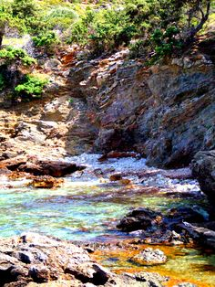 Thermal Springs at Agia Kyriaki (St. Sunday) at the island of Ikaria, east Aegean sea, Greece. Photo by The Pic Traveler Ikaria Greece, Zorba The Greek, Greek Islands, Rivers, Lakes, Sailing, Lion, Landscapes, Sunday