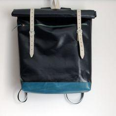 Rucksack aus LKW-Plane und Leder von krambeutel Deine Wunschtasche, maßgeschneiderte Beutel und Taschen aus München. www.krambeutel.de Stefanie Ramb #backpack