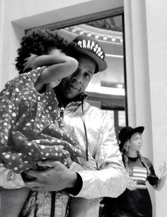 Beyonce, Jayz & Blue Ivy at The Louvre Museum in Paris October 7, 2014