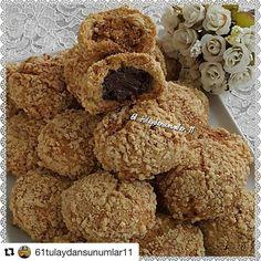 """987 Likes, 4 Comments - @mucizetatlar #mucizetatlar (@kek_tarifim) on Instagram: """"Tarif @61tulaydansunumlar11 ・・・ dışı fındıklı içi çikolatalı kurabiye. MALZEMELER 125 gram…"""""""