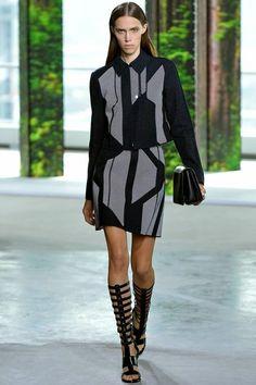 Retrouvez toute la collection en image du défilé #Boss - printemps / été 2015 lors de la Fashion Week de #New #York sur le Blog ci-dessous:  http://fashionblogofmedoki.blogspot.be/