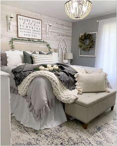 97 Inexpensive Farmhouse Style Ideas For Bedroom Decorating 19 - kindledecor Farmhouse Master Bedroom, Master Room, Master Bedroom Makeover, Master Bedroom Grey, Bedroom Ideas Grey, Dream Bedroom, Home Bedroom, Grey Bedding, Modern Bedding