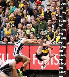 Jack Higgins kicking one of the best goals of 2018 Richmond Football Club, Dream Team, Rugby, Sexy Men, Jeep, Army, Goals, Stems, Gi Joe