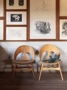 the home of famed designer Børge Mogensen. The danish designers house is full of his own prototypes and first editions such as: Spanish chairs, Hunt seat, J39-chair and Kupé Sofa.