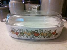 A big ole square Casserole dish with Corning Wares Spice O Life pattern. Excellent condition, one factory flaw bubble pop on the bottom as