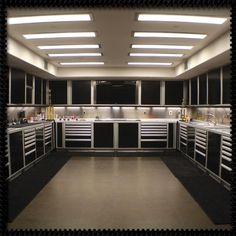 Newport coast garage equipment ideas гараж интерьер, гараж м Man Cave Garage, Garage House, Garage Shop, Armoire Garage, Garage Cabinets, Garage Doors, Garage Metal, Small Garage, Atelier Design