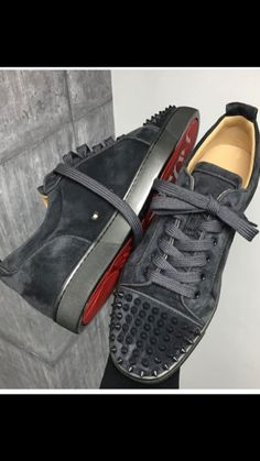 Must have professional advice in addition to some tips on ladies boots and sneakers. Louboutin Shoes Mens, Christian Louboutin Red Bottoms, Ankle Sneakers, Leather Sneakers, Balenciaga Arena Sneakers, Trendy Mens Shoes, Sneaker Outlet, Fashion Shoes, Men's Fashion