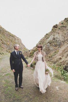 new-zealand-wedding-bride-groom-accessories-bouquet-groom-tux