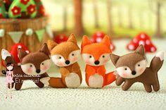 Easy DIY Felt Crafts, Felt Crafts Patterns and Felt Sheets For Crafts India. Felt Fox, Wool Felt, Felt Christmas Ornaments, Christmas Crafts, Christmas Tree, Crochet Kawaii, Fox Crafts, Felt Patterns, Fabric Crafts