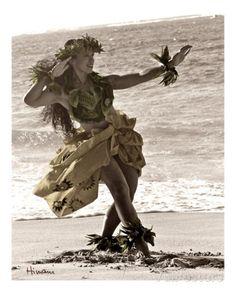 Hula Dancer in Tapa Skirt 2 Fotodruck
