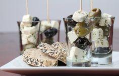 Подбираем закуски к красному вину: самые классные рецепты - KitchenMag.ru