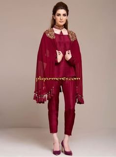 Zainab Chottani pret 2016 new arrivals have been released to make your party more rocking. See how to buy online Pakistani dresses. Latest Pakistani Dresses, Pakistani Dress Design, Pakistani Outfits, Latest Pakistani Fashion, Eid Outfits, Pakistani Designers, Casual Summer Dresses, Stylish Dresses, Fashion Dresses
