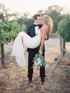 This stunning California couple could not be more in love! http://www.stylemepretty.com/vault/gallery/38301 | Photography: Luna De Mare - http://lunademarephotography.com/