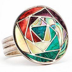 The outfits of my dreams: Los beneficios de las piedras naturales en tu mano