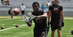 ) wide receiver Laquon Treadwell had a Florida assistant at his game Friday, visited Ole Miss Saturday and planned an official visit to Oklahoma in October. Laquon Treadwell, College Football Recruiting, Ole Miss, Wide Receiver, Oklahoma, Illinois, Michigan, Competition, Texas