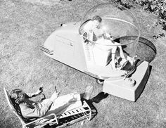 Futuristic lawn mower, from Love the George-Jetsonish concept! 50 Weird And Awesome Inventions From The Consumer Golden Age - Business Insider What Is Landscape Architecture, Landscape Design, Grass Cutter, Weird Inventions, Bubble, Lawn Equipment, Retro Futuristic, Atomic Age, Googie