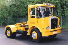 1970 Atkinson Borderer Vintage Trucks, Old Trucks, Classic Trucks, Classic Cars, Old Lorries, Old Wagons, Cab Over, Commercial Vehicle, Tractors