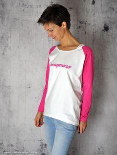 Bequemes Raglan-Shirt Amy (Newsletter-Freebie von Pattydoo) aus GOTS-zertifiziertem Tula-Jersey von stoffe.de. Nähinspiration von selbermachen-macht-gluecklich.de - Alle Infos & Bezugsquellen gibt's im Blog!