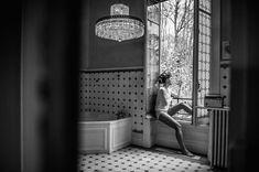 Cécile Creiche photographe mariage mariée inspiration photo noir & blanc préparatif http://www.vogue.fr/mariage/adresses/diaporama/les-meilleurs-photographes-de-mariage/21401#ccile-creiche-photographe-mariage