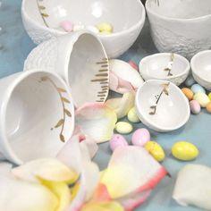 Trouvés! #happyeaster #porcelain #pottery #ceramics #cup #coffeecup #teacup #whiskeycup #chocolate #foodstyling #tableware #frenchceramics #friend #bowl #bol #condiment #handmade #handbuilt #handcrafted #handmadeceramics #gold #leaf #branch #petals #dulces #creditphotomarieroura #myriamaitamarceramics