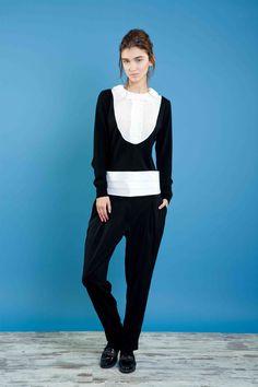 girocollo in lana con davantino in seta, pantalone taglio uomo. #bonton #princesse #metropolitaine #fashion #swater #trouser #black&white #smoking
