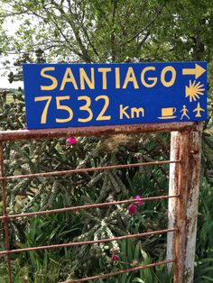 Which way is the road to Santiago?