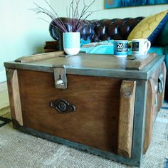 VINTAGE MILITARY CHEST industrial trunk WWI FOOTLOCKER pine chest
