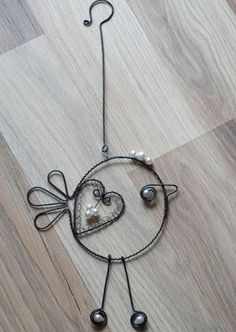 Copper Wire Crafts, Copper Wire Art, Metal Crafts, Wire Wrapped Pendant, Wire Wrapped Jewelry, Wire Jewelry, Washer Crafts, Wire Bookmarks, Wire Chandelier