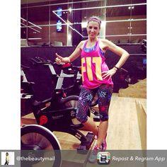 """""""Grande @thebeautymail apostando por nuestro total look para su sesión de gym! #lornajane #activeliving"""""""