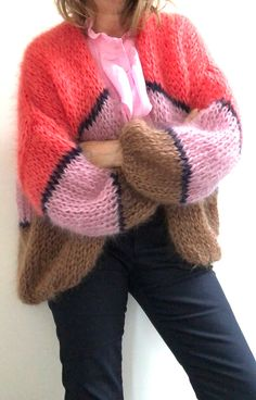 PureMe is a fashionlabel Premium handmade knitwear Designed by me, made for you. Crochet Top Outfit, Crochet Shirt, Crochet Clothes, Knit Crochet, Ladies Cardigan Knitting Patterns, Knitting Patterns Free, Knitted Slippers, Hand Knitted Sweaters, Handgestrickte Pullover