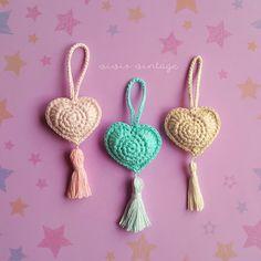How to crochet a beautiful heart easy - free pattern // como tejer corazon crochet amigurumi patron gratis Crochet Gifts, Diy Crochet, Crochet Toys, Crochet Baby, Single Crochet, Crochet Motif Patterns, Amigurumi Patterns, Crochet Stitches, Crochet Wall Hangings