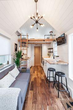 Tiny Houses For Rent, Modern Tiny House, Tiny House Living, Tiny House Plans, Little Houses, Living Room, Small Tiny House, Best Tiny House, Mini Houses