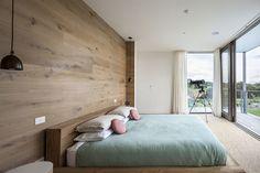 Fingal-Residence-Fingal-Australia-Bedroom-Glass-Walls.jpg