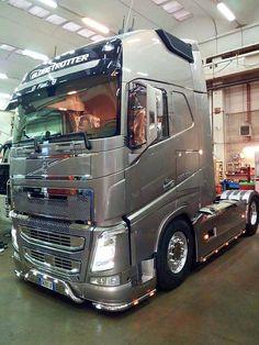 Big Rig Trucks, Semi Trucks, Cool Trucks, Customised Trucks, Custom Trucks, Cab Over, Volvo Trucks, Heavy Equipment, Cars And Motorcycles