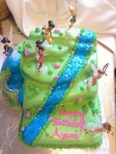 A Tinkerbell cake! How wonderful!