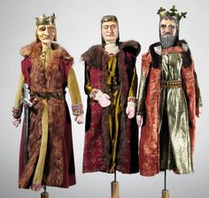 Trzej Królowie. Figurki z szopki krakowskiej - Z. Dudzik, kolekcja #ethnomuseuminwarsaw Three Magi from the Nativity theatre #threemagi #christmas #bożenarodzenie #trzejkrólowie #szopka #puppets