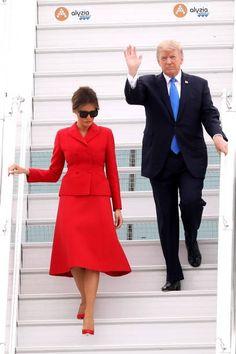 President Trump, First Lady Melania Trump John Trump, Donald Trump, Milania Trump Style, Melina Trump, First Lady Of America, Donald And Melania, Standing Poses, First Lady Melania Trump, Looking For Women