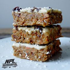RAW CARROT CAKE SQUARES WITH VANILLA PROTEIN FROSTING - INGREDIENTS ¾ cup raw…